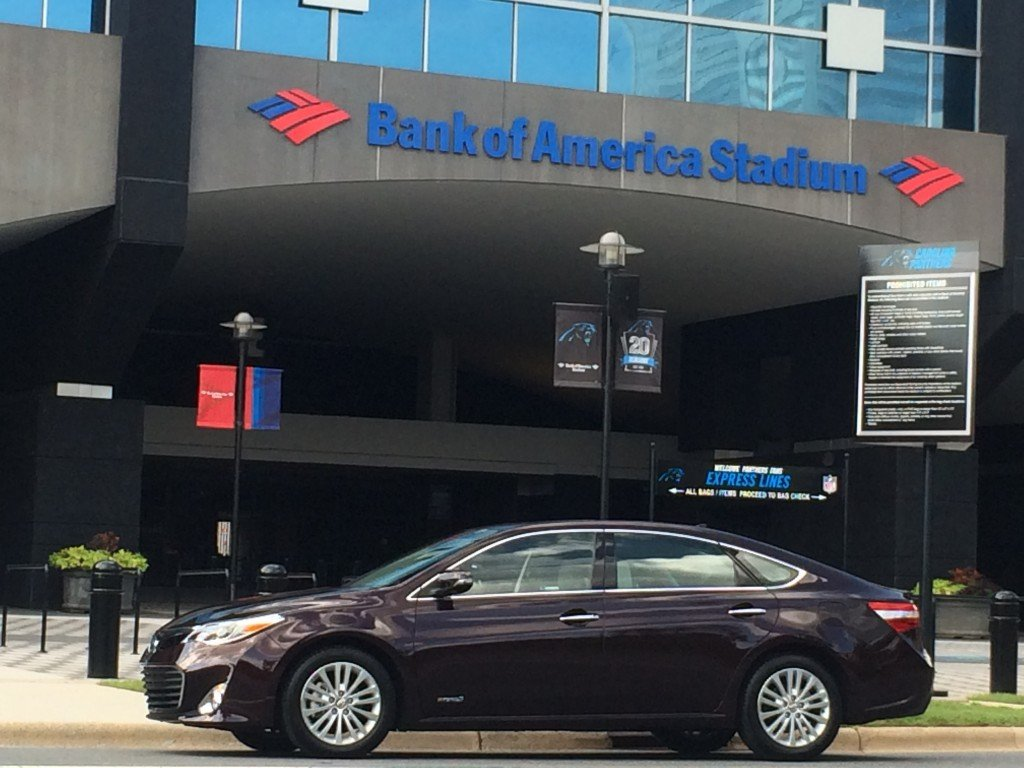 2014-Toyota-Avalon-Hybrid-Bank-of-America-Stadium