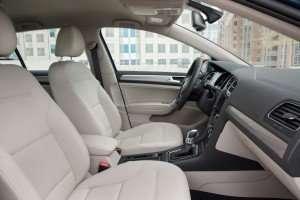 2015 VW E-Golf interior
