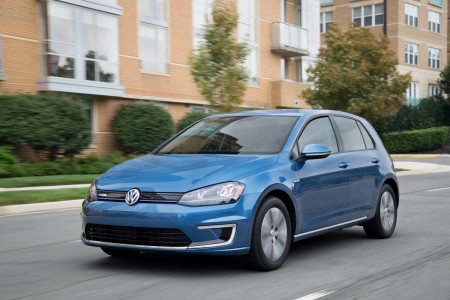 Volkswagen Teams Up With Global Green USA to Auction Off the First All-Electric E-Golf in the U.S.