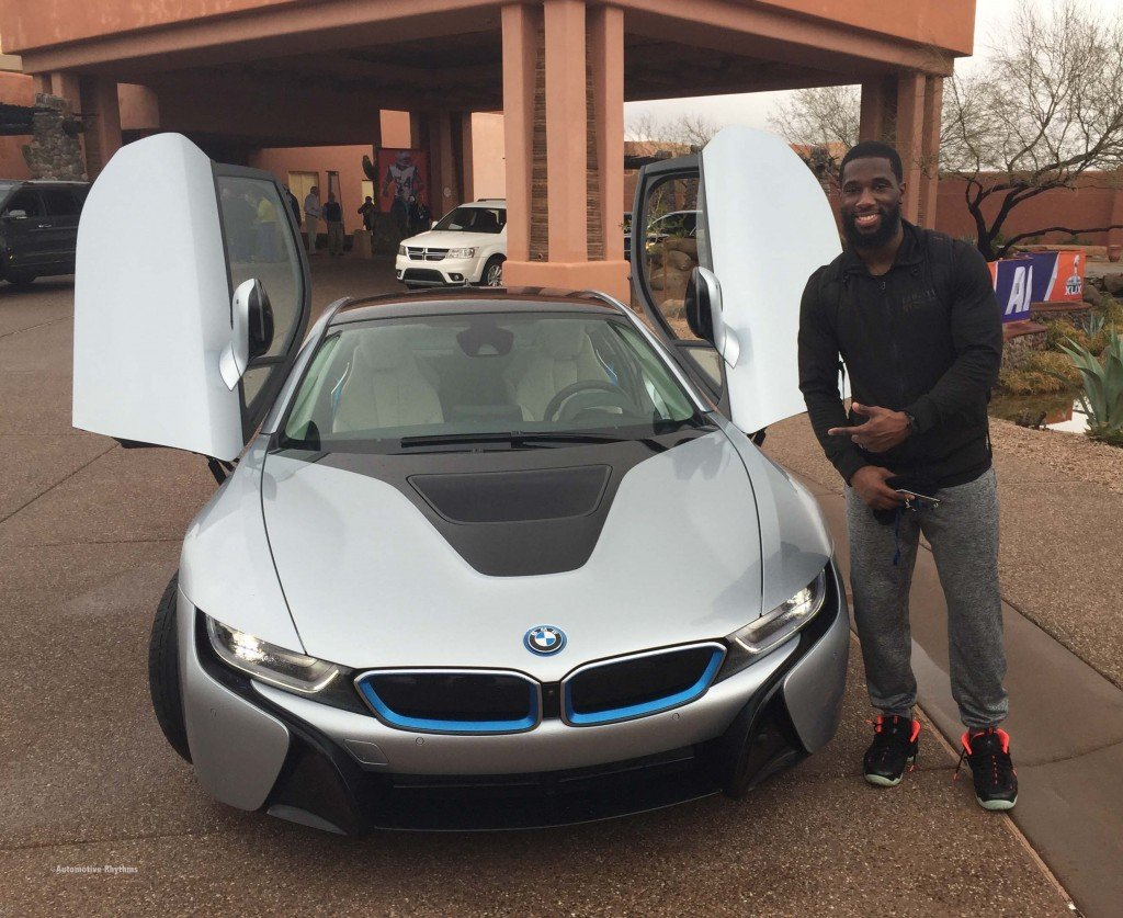 1 BMW_Electrifies_Super_Bowl_XLIX_with_i8_i3....48