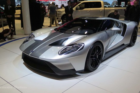 2015 Chicago Auto Show: Auto Unveils Warm up the Windy City