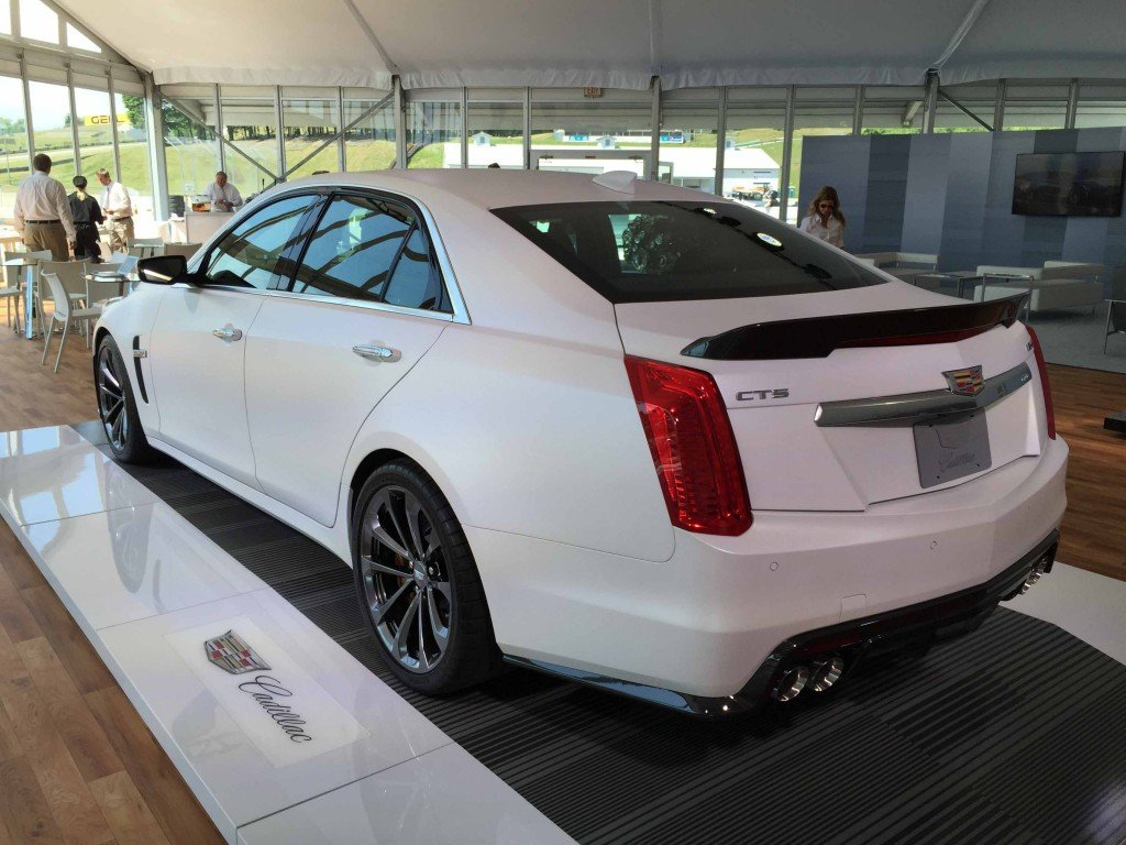 2016_Cadillac_CTS-V_Sedan_Automotive_Rhythms...21