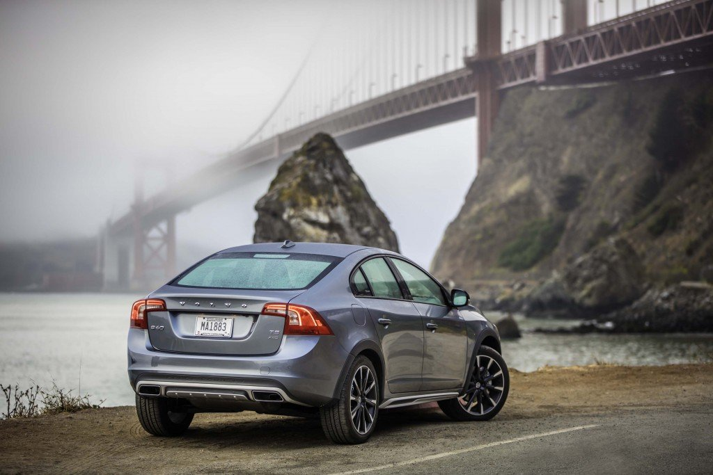 2016_Volvo_S60_Cross_Country...13