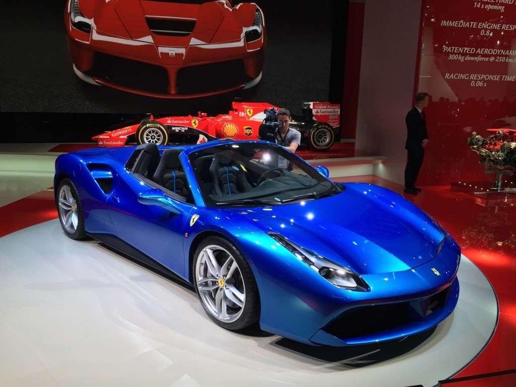 Ferrari_488_Spider...14
