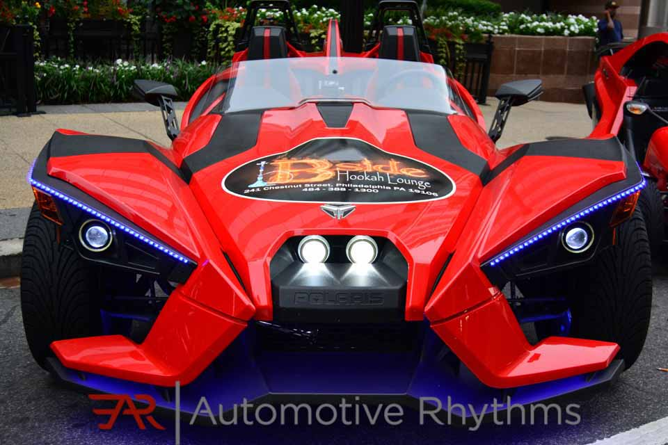 Polaris_Slingshot_Takeover_Throttle_Life...02