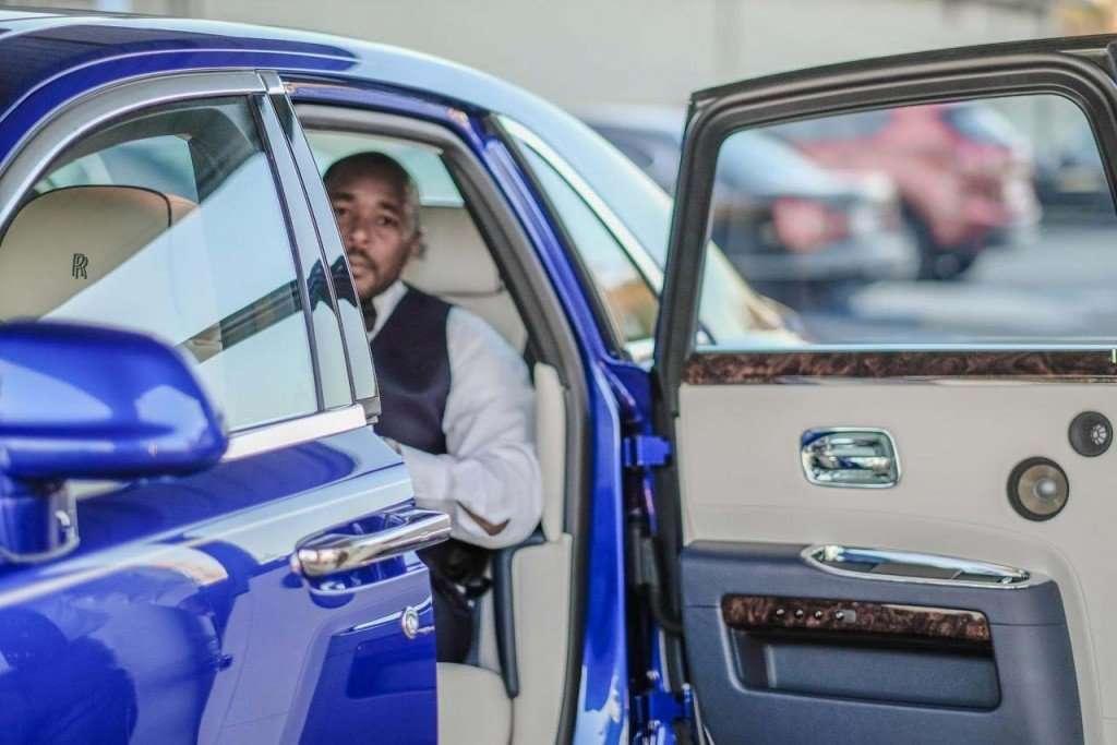 2015-Rolls-Royce-Ghost-salamanca-Blue...79