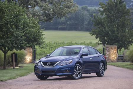 2016 Nissan Altima: Solid Steady