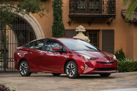 2016 Toyota Prius: The Green Edge