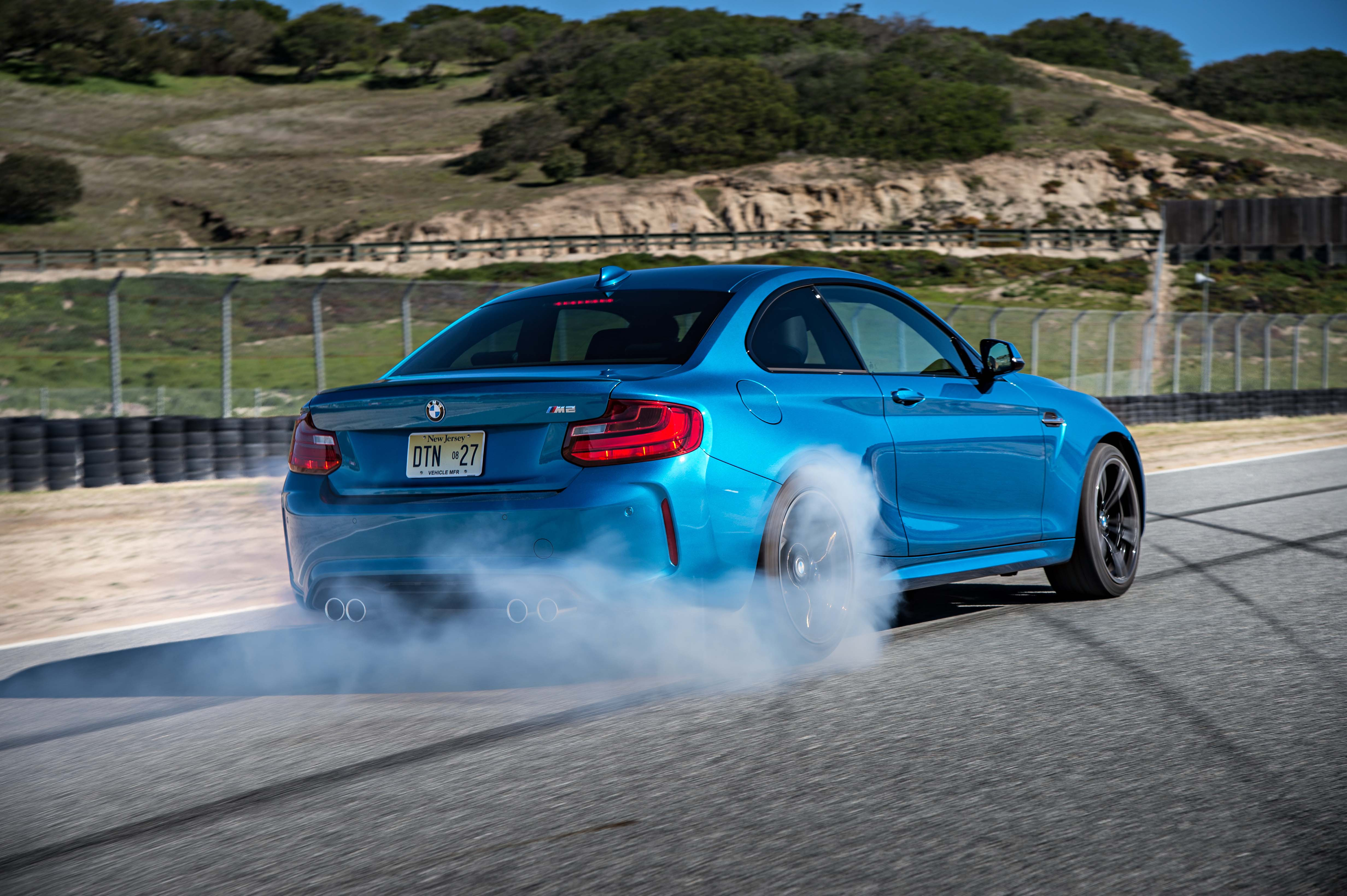 2016_BMW_M2_Coupe....23