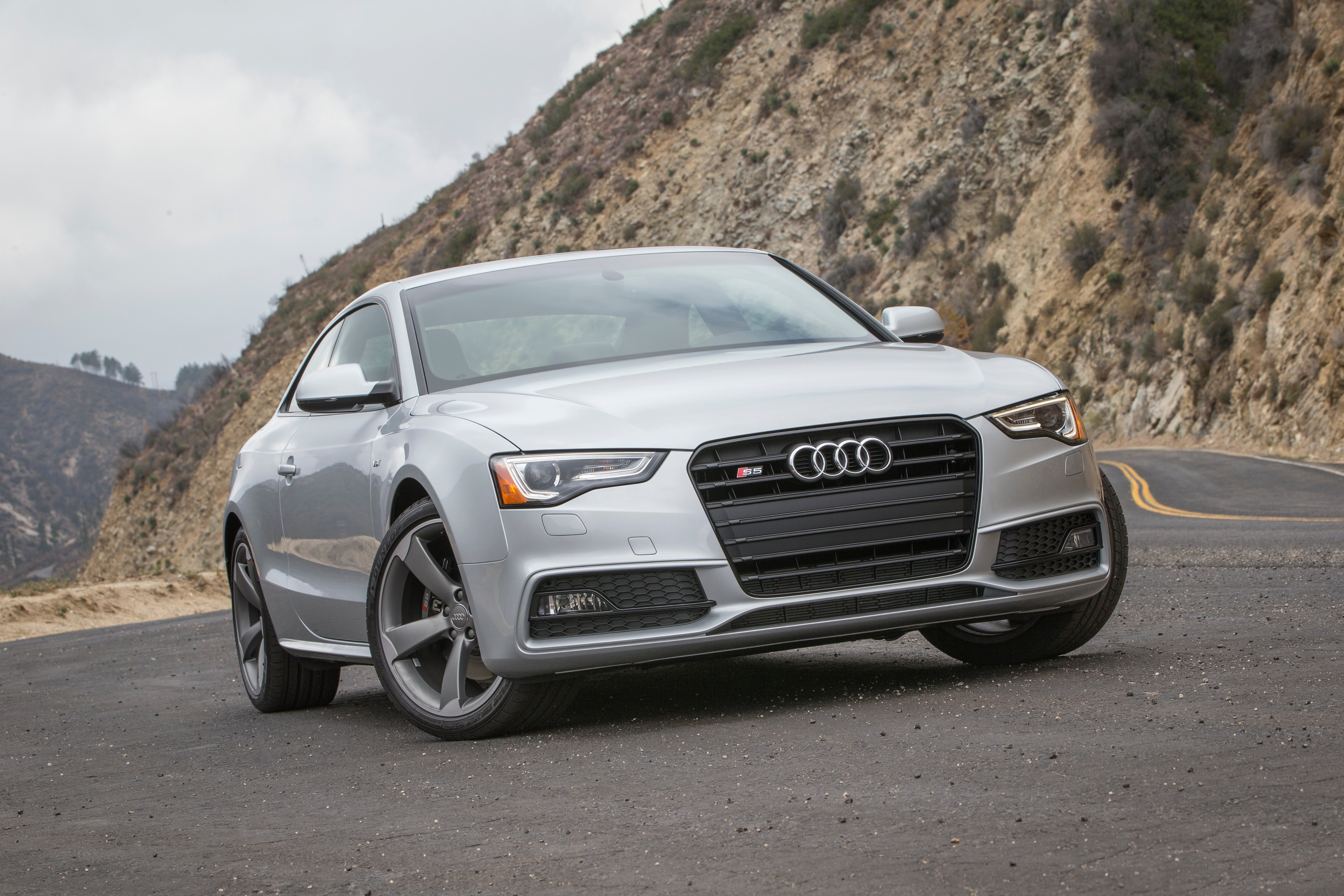 Audi-S5-coupe-grille