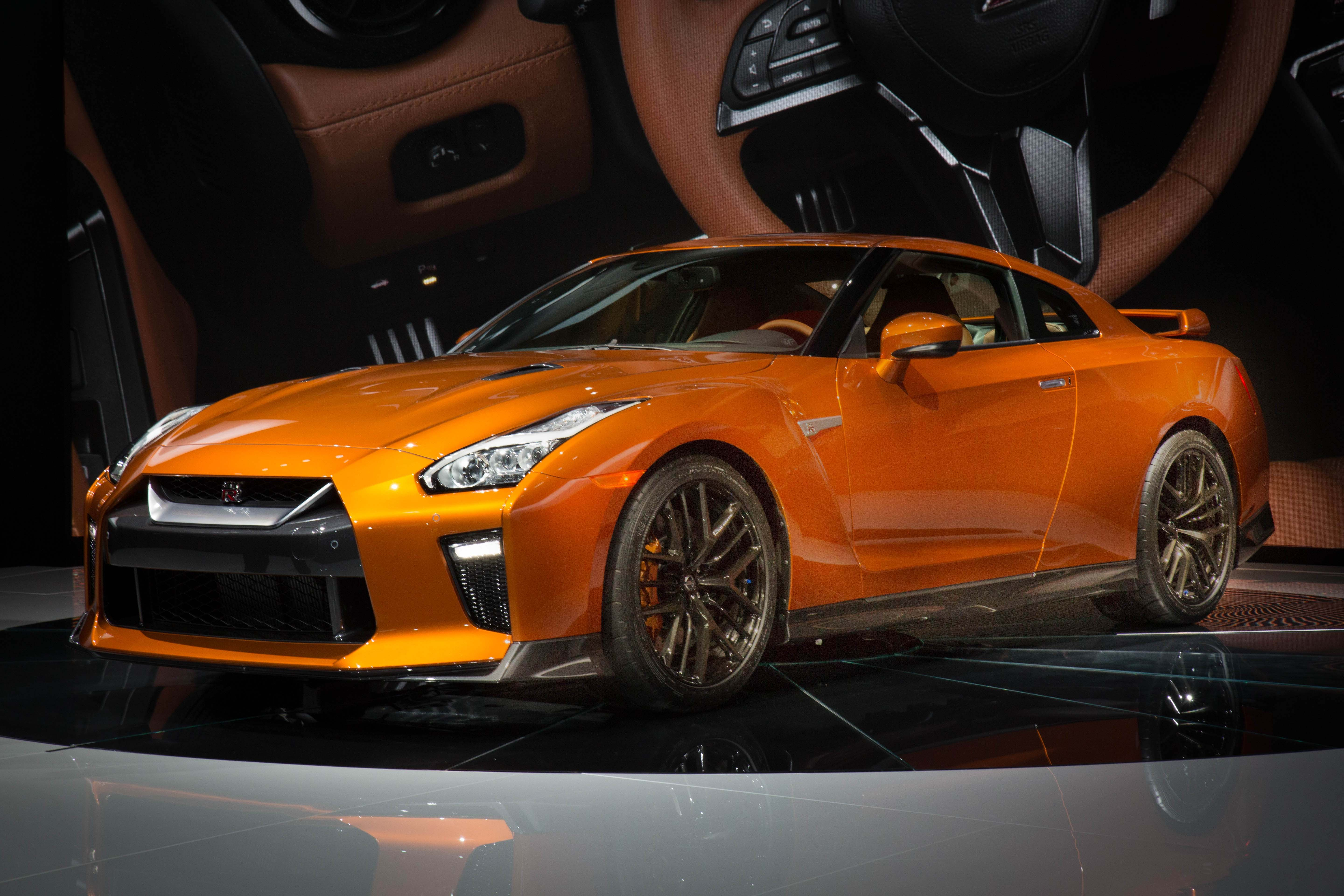 2017 Nissan GT-R Debuts at the 2016 New York International ...
