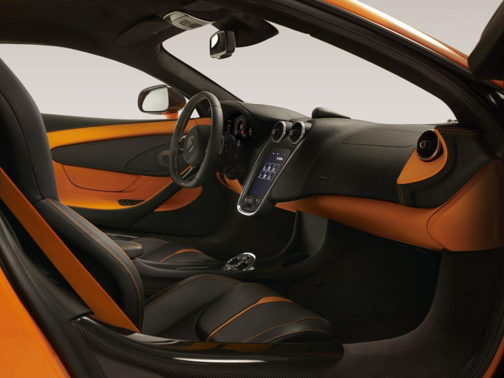 2017_McLaren_570S_Interior