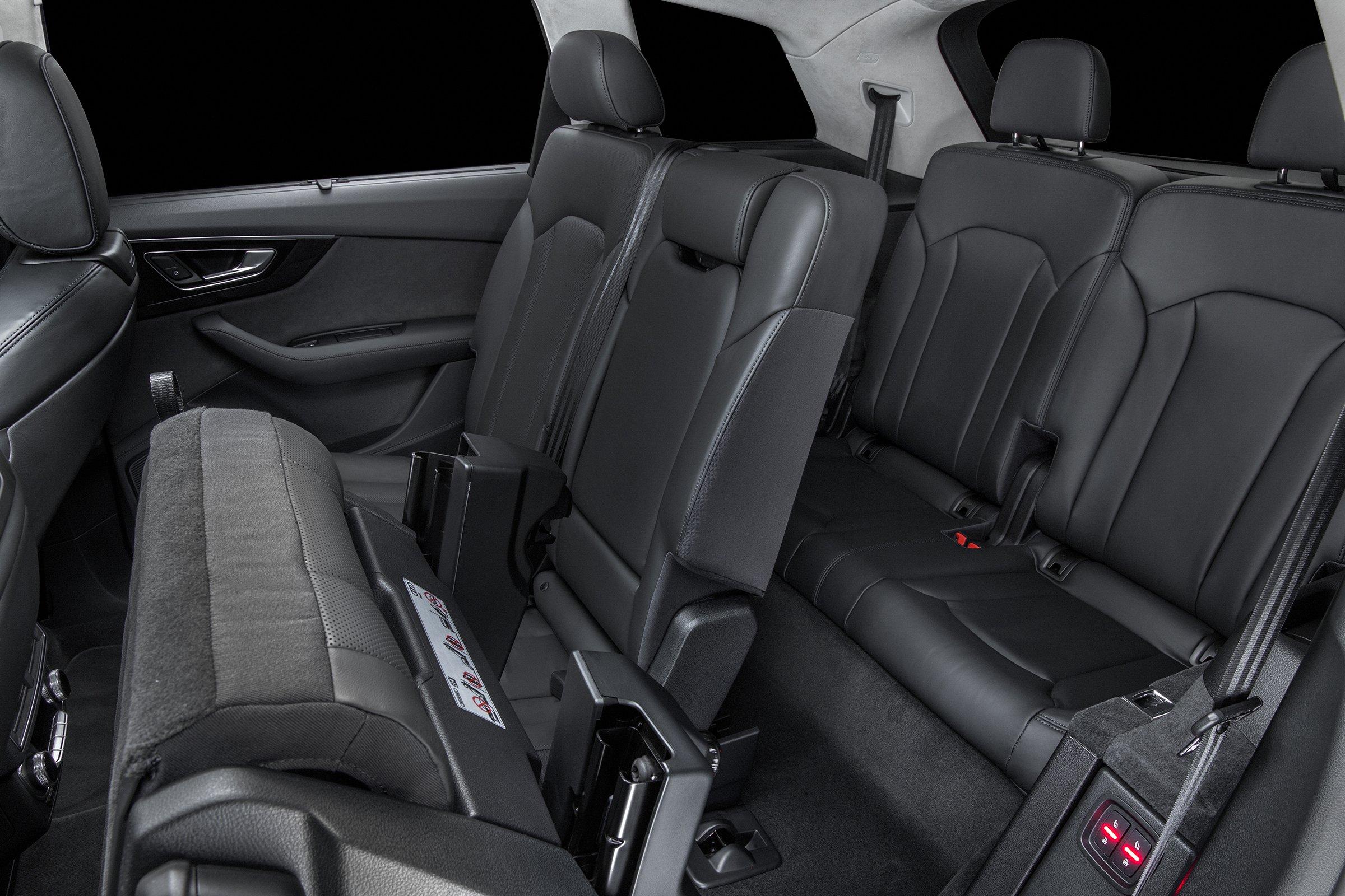 2017-audi-q7-Interior-Seats