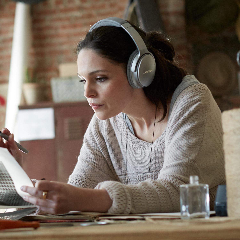 bose_quietcomfort_35_wireless_headphones_grey-1