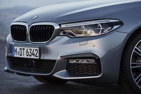2017 BMW 5 Series photo gallery